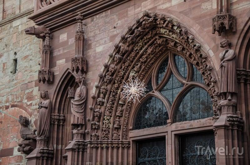 Портал собора в Базеле / Фото из Швейцарии