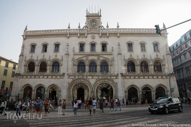 Площадь Рестаурадореш в Лиссабоне, Португалия / Фото из Португалии