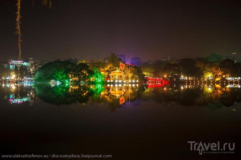 Вид на озеро Хоан Кием в Ханое, Вьетнам / Фото из Вьетнама