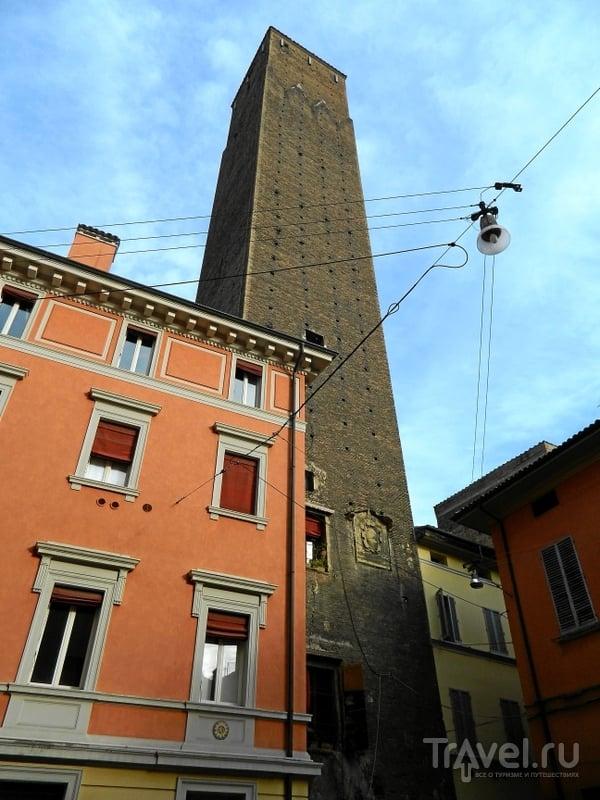 Башня Prendiparte в Болонье, Италия / Фото из Италии