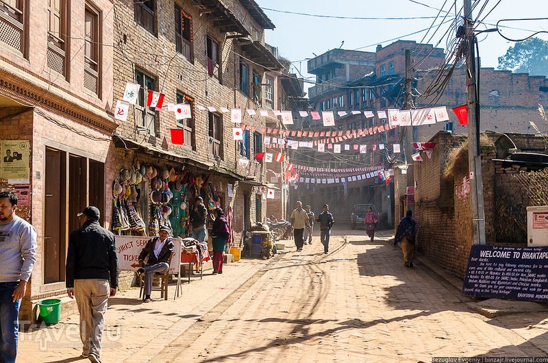 В городе Бхактапур, Непал / Фото из Непала