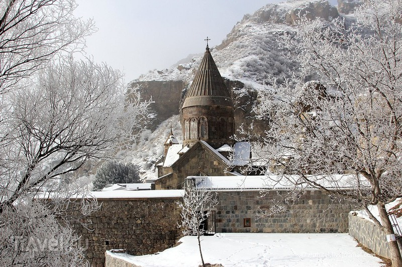 Горный монастырь Гегард, Армения / Фото из Армении
