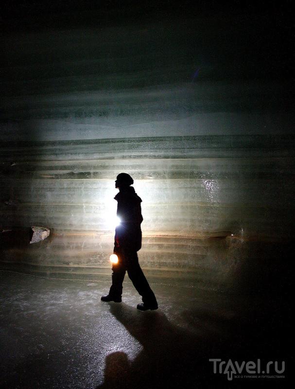 Экскурсии проходят по первому километру тоннелей Айсризенвельт / Австрия