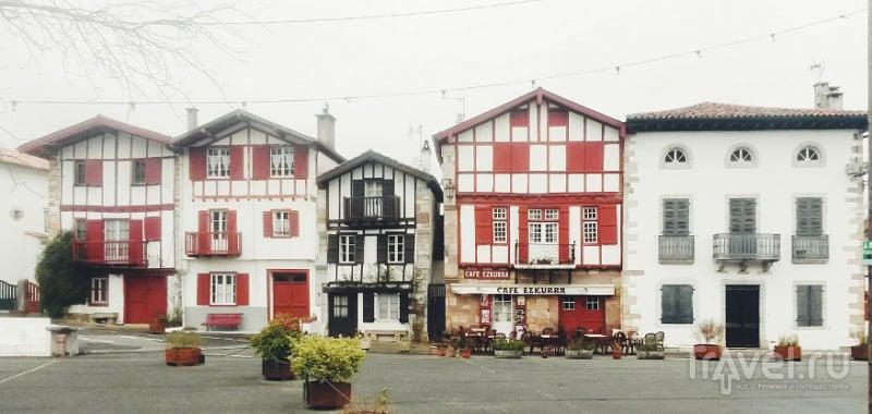 В деревушке Эноа (Ainhoa), Франция / Фото из Испании