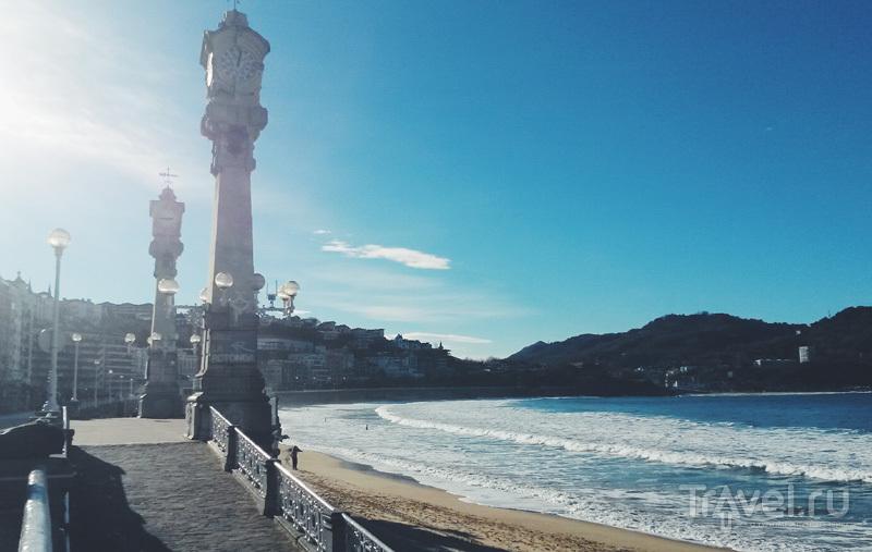 Пляж Ла Конча (La Concha) в Сан-Себастьяне, Испания / Фото из Испании
