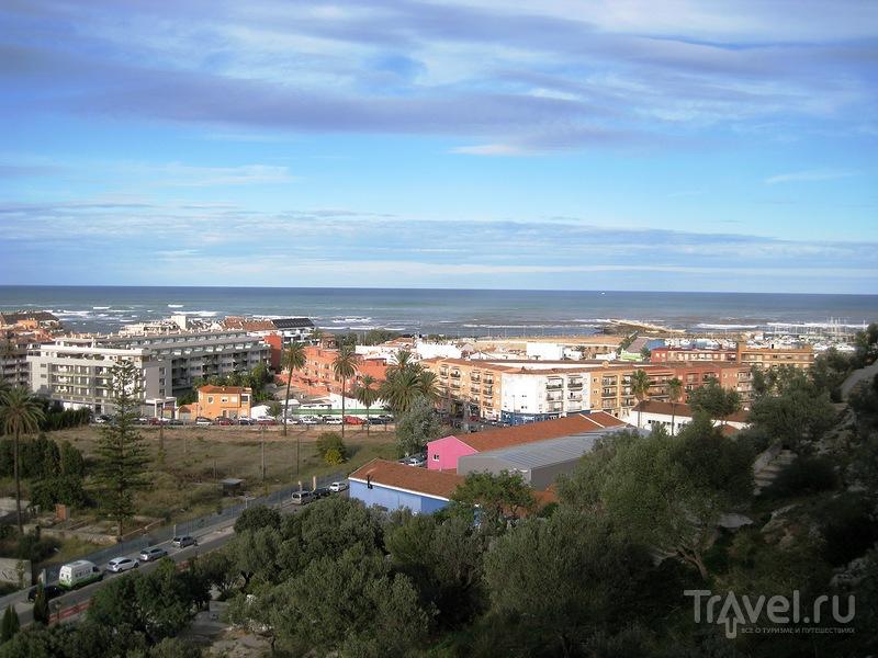 Дения. Крепость и вид на старый город / Испания