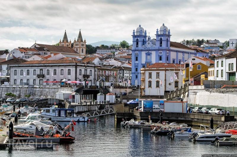 В городе Ангра-ду-Эроижму, Португалия / Фото из Португалии