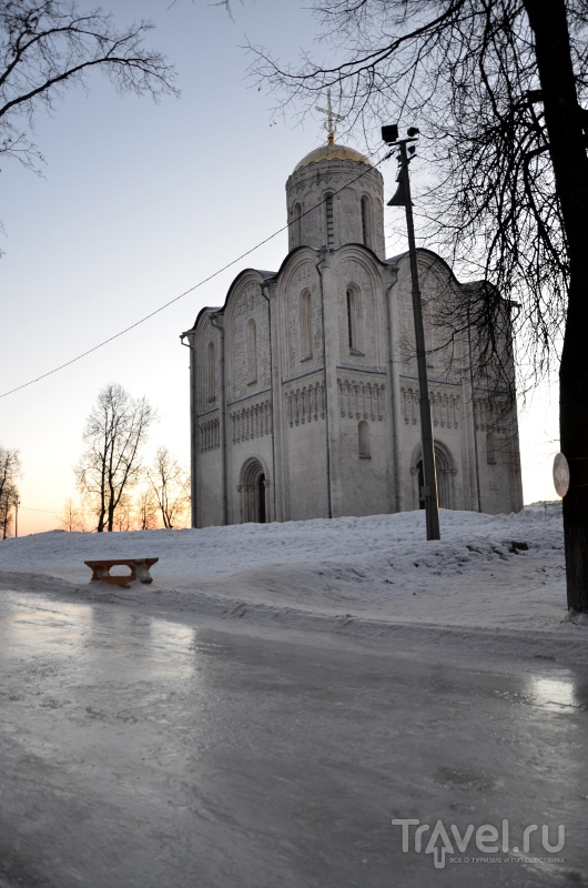 Дорога к храму оказалась неожиданно скользкой / Фото из России