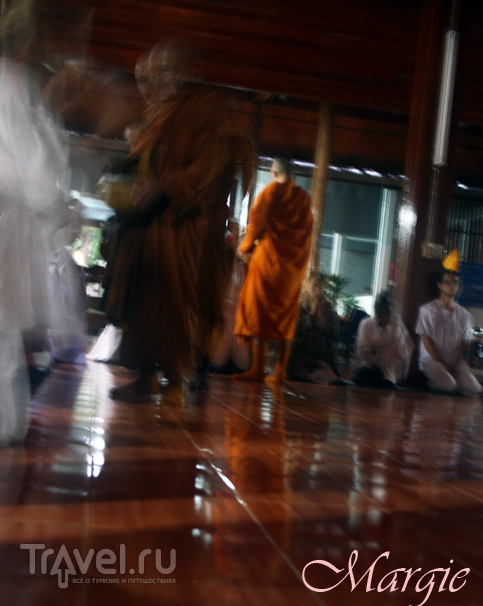 Meditation in Wat Tam Wua, Thailand / Таиланд
