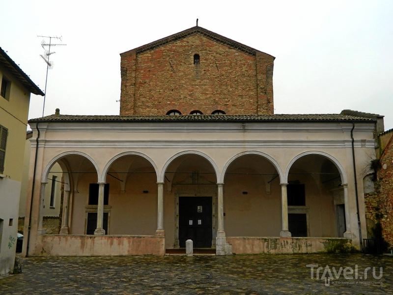 Церковь святого Духа (Chiesa dello Spirito Santo) в Равенне, Италия / Фото из Италии