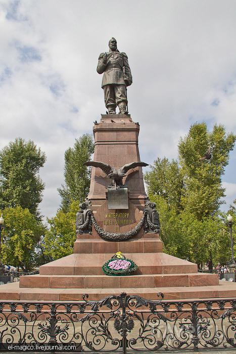 Памятник Александру III в Иркутске, Россия / Фото из России