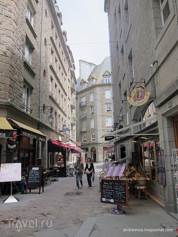 Площадь Круа ду Фиф (Place de la Croix du Fief) / Франция