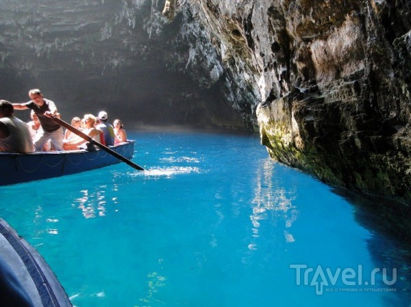 Озеро Мелиссани в Греции / Греция