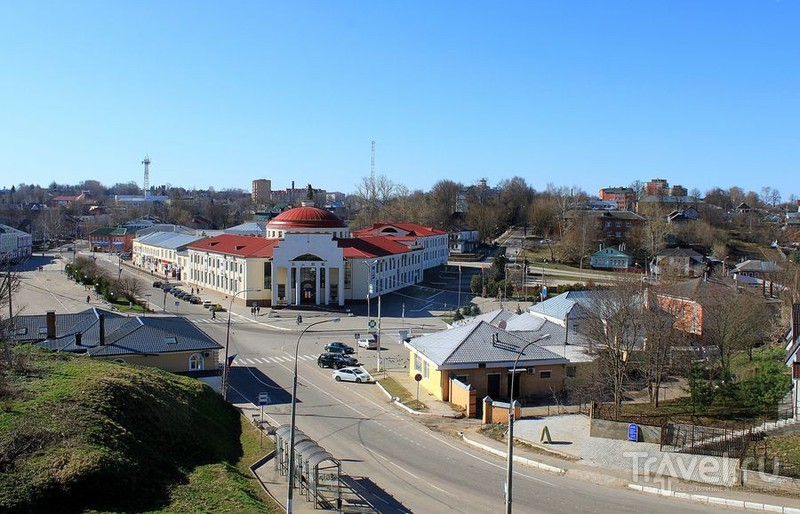 Вид на Октябрьскую площадь в Волоколамске, Россия / Фото из России