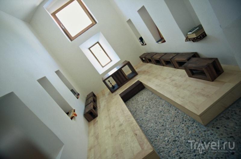 """""""Место Мира"""" - комната, где можно медитировать или молиться по канонам всех мировых религий / Словения"""