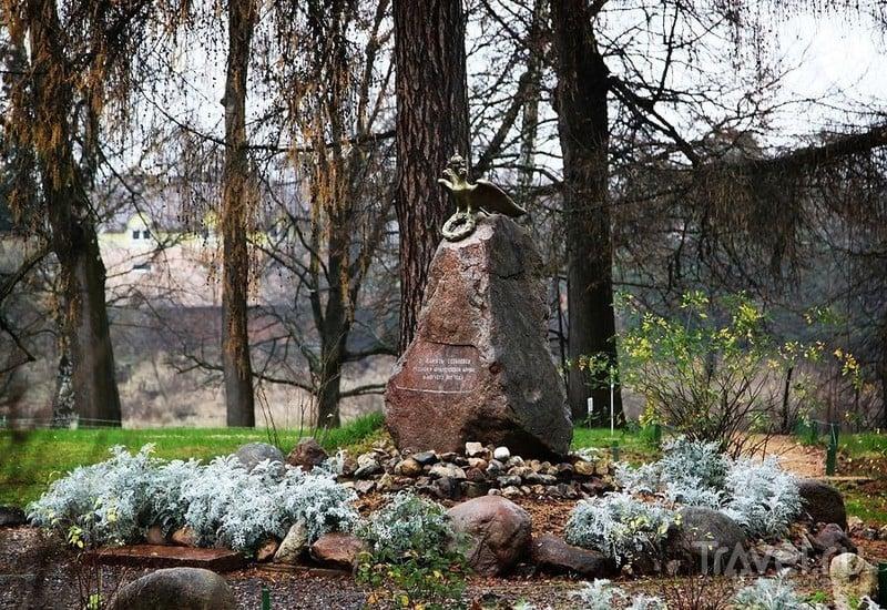 Памятный знак в честь Отечественной войны 1812 года