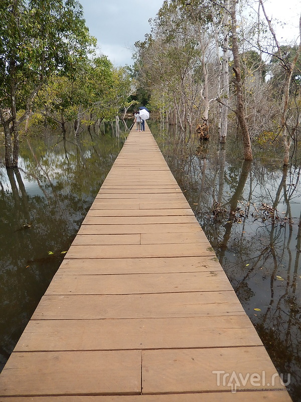 Затопленный храм Неак Пеан / Камбоджа