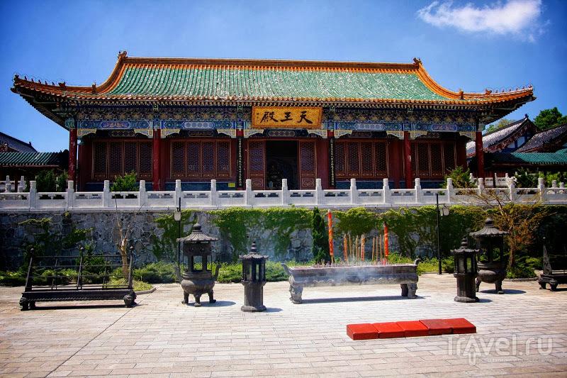 Тропа над пропастью в Tianmen / Китай