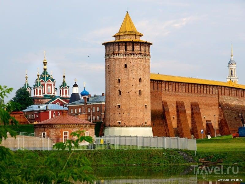 Коломенский кремль и Маринкина башня / Россия