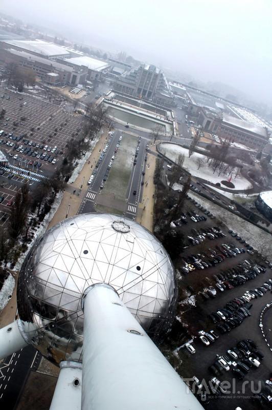 Атомиум - символ Брюсселя, мирного атома и превосходства социализма над капитализмом / Бельгия