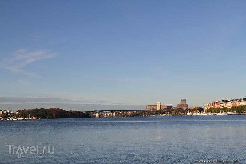 Прогулка около городской ратуши Стокгольма / Швеция