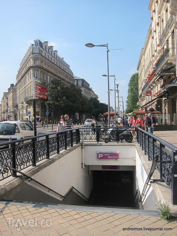 Проспект 30 июля (Сours du 30 Juillet) / Фото из Франции