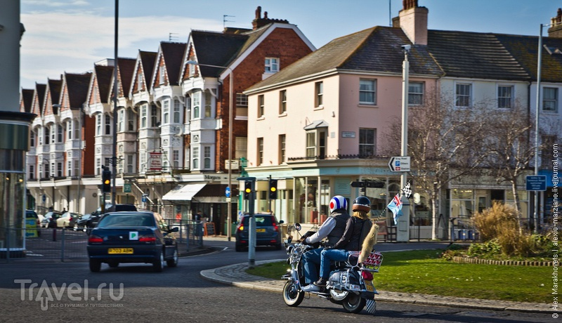 Истборн - город красивых людей и родина главного сатаниста / Фото из Великобритании