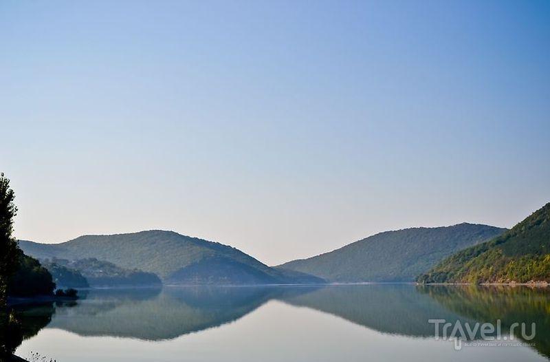 Вокруг озера Абрау / Россия