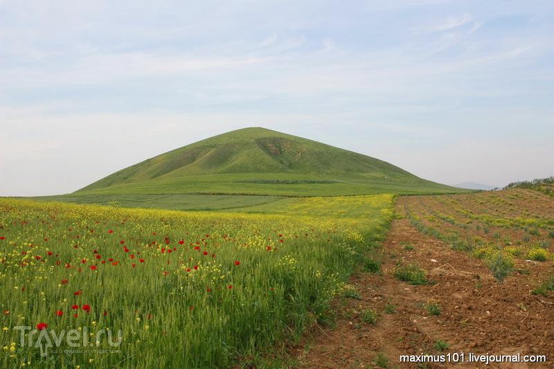 Бинтепе - турецкие пирамиды / Турция