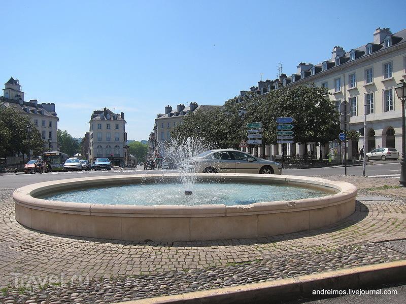 Площадь Грамон (Place Gramont) / Фото из Франции