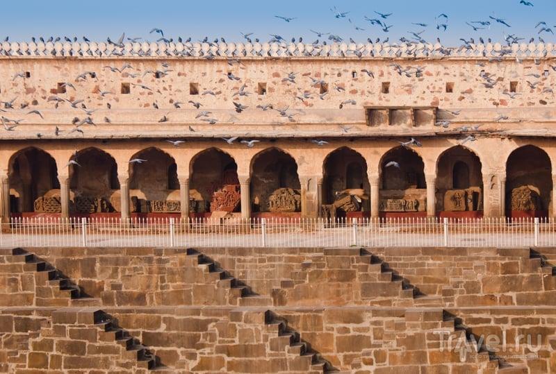 Историки полагают, что колодец Чанд-Баори был сооружен между IX и XI веком. / Индия