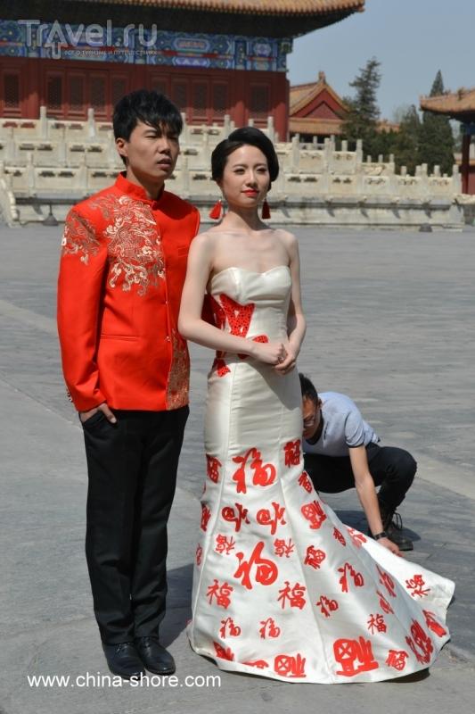 Свадебные фотографии у Императорского Храма Предков / Китай