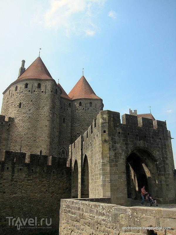 Нарбонские ворота (Porte Narbonnaise) / Франция