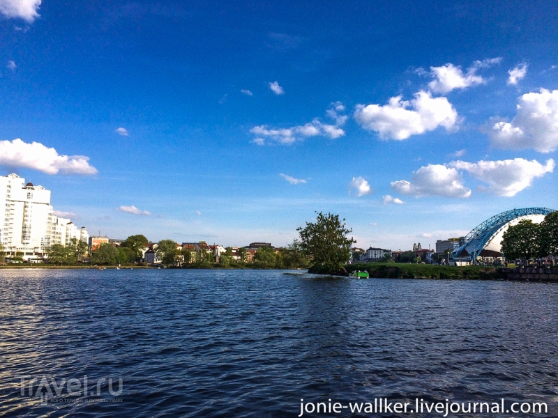Река Свислочь и Остров слез в Минске / Белоруссия