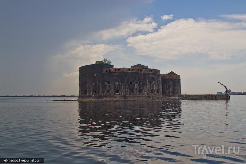 Чумной форт, Кронштадт и Ораниенбаум / Фото из России