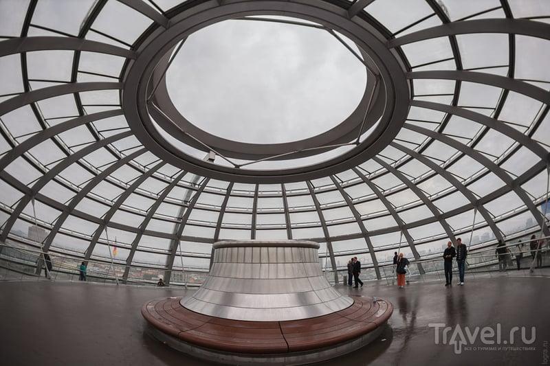 Купол Рейхстага: 1 200 000 кг чистоты и открытости / Германия