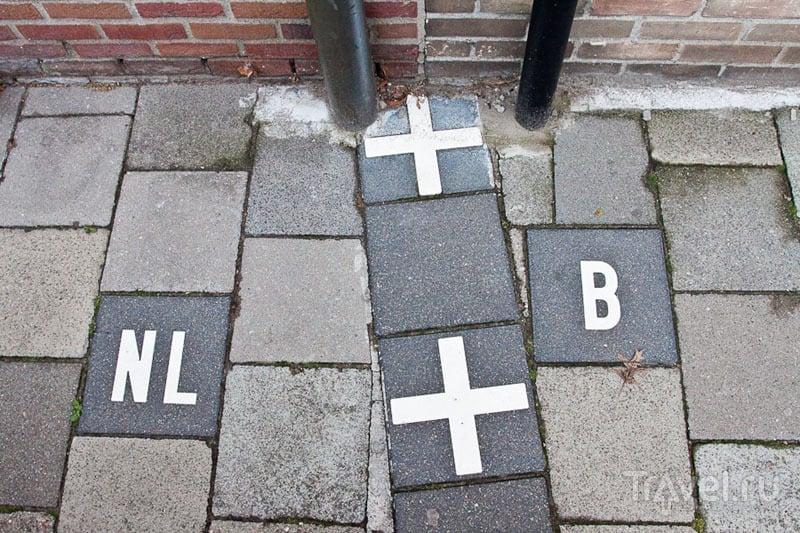 Разметка границы в Барле / Бельгия