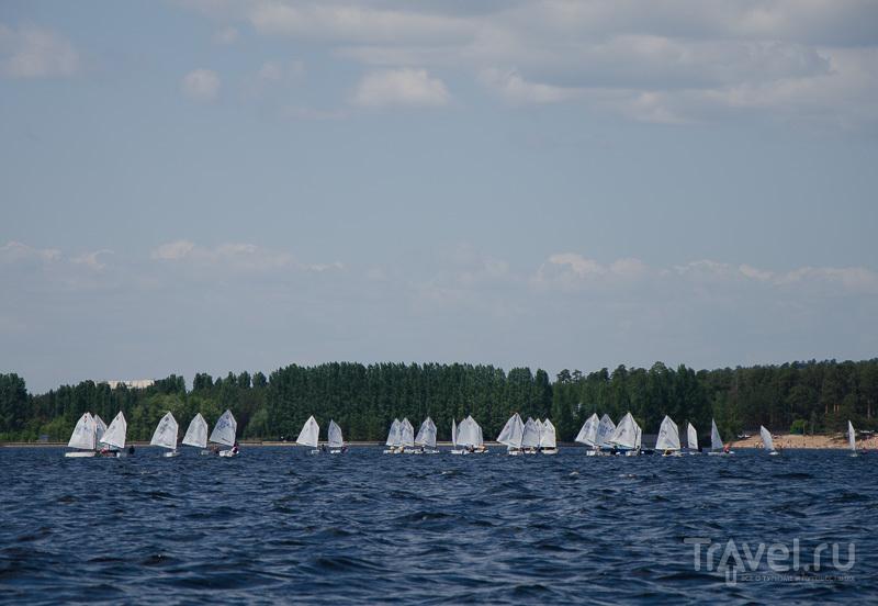 Соревнования парусных лодок / Фото из России