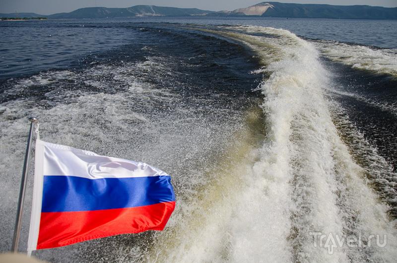 Прогулка на катере по Волге / Фото из России