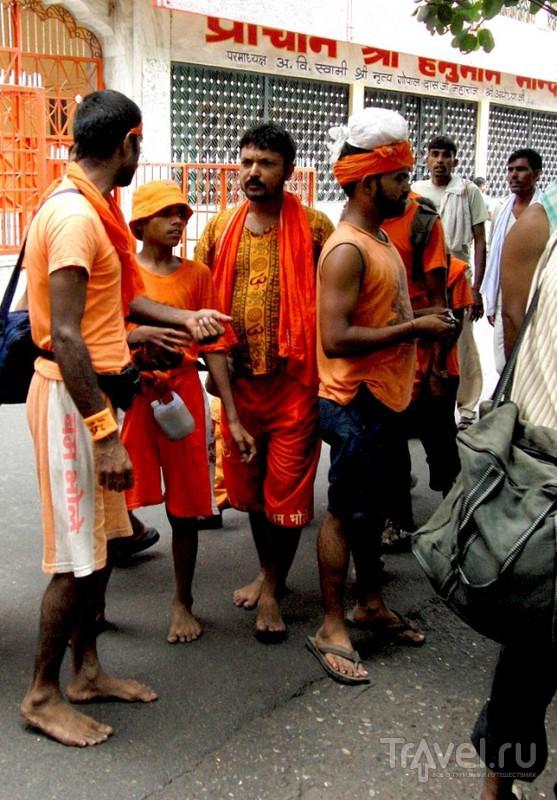Индия. Гхаты Ришикеша / Индия
