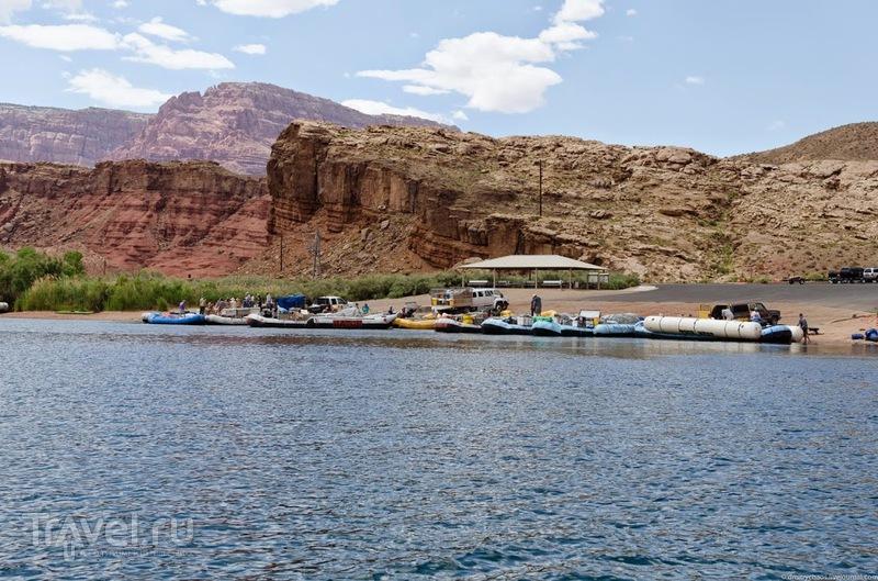 Сплав по реке Колорадо в Глен-Каньоне / Фото из США