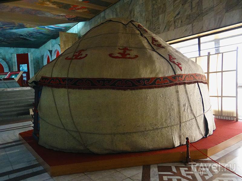 Прогулка по Бишкеку. Государственный исторический музей / Киргизия
