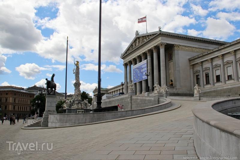 Гуляем по Венскому Рингу. Бургтеатр и Парламент / Австрия