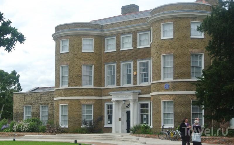 William Morris Gallery - государственный музей, посвященный английскому прикладному искусству / Великобритания