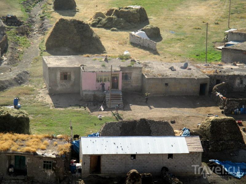 Гора Арарат и атака камнями курдских мальчишек / Турция