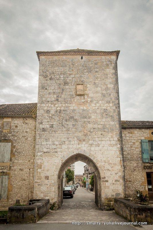 Франция, Дордонь, Рок-Гажак и Монпазье / Фото из Франции