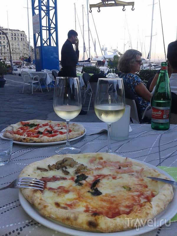 Роман с Неаполем / Италия