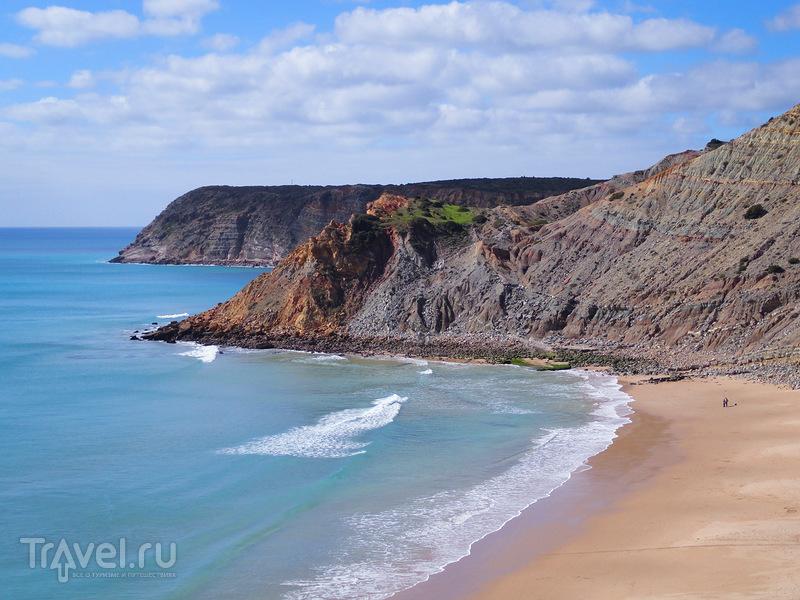 Прибрежные скалы, береговые линии Атлантики - поражают своей красотой / Португалия