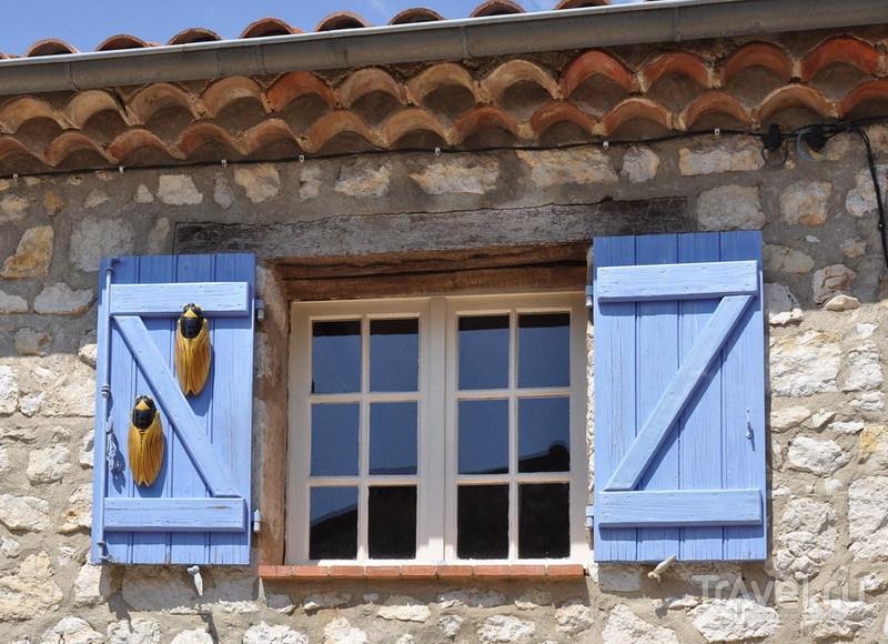 Каменные гнезда / Фото из Франции