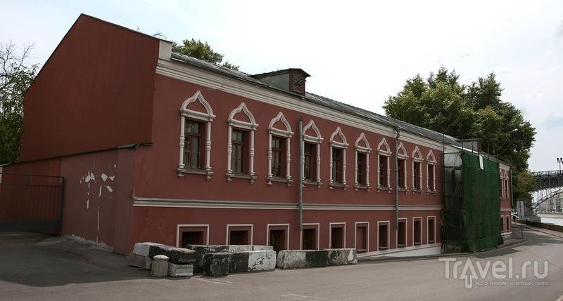 Берсеневская набережная дом 18-20 / Россия